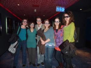 L'allegra combricola con gli occhiali 3D